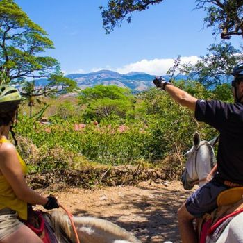 Horseback Riding tour to Sulfur Springs & Rio Negro Hot Springs